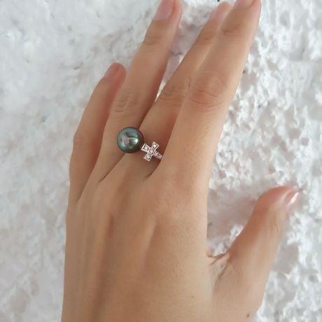 Anello Croce - Oro Bianco, Diamanti e  Perla di Tahiti Nera