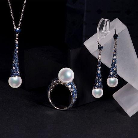 Parure L'Enchanteur - Oro Bianco, Zaffiri, Diamanti & Perle Akoya