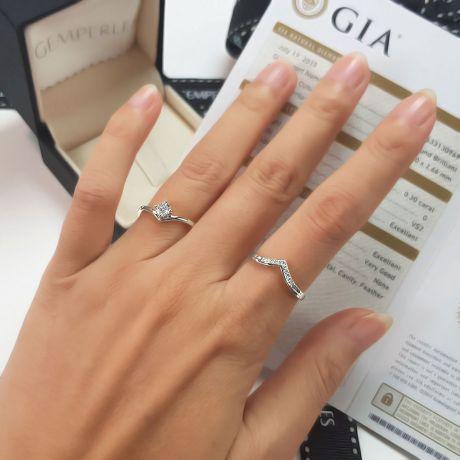 Anello di Fidanzamento Wonder Woman - Diamante Solitario Composto & Platino | Gemperles