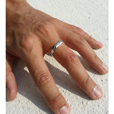 Alliance Homme. Platine. Diamant 0.045ct