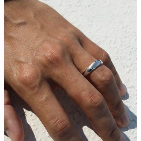 Alliance biseautée homme - Or blanc - diamant serti clos | Autour de moi