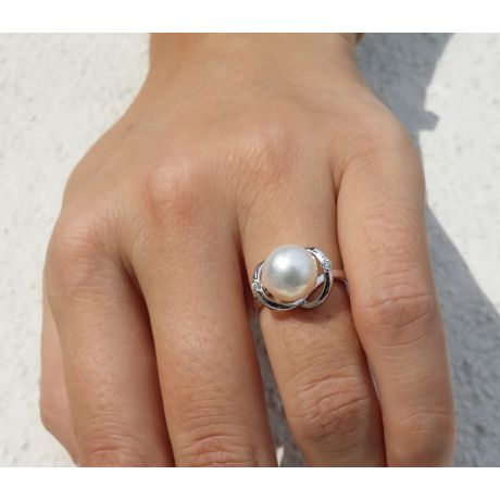 Bague or blanc style circulaire - Perle de culture - 2 diamants sertis