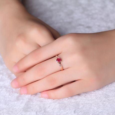 Anello Tra Le Dita - Oro Rosa, Rubino Ovale & Diamanti
