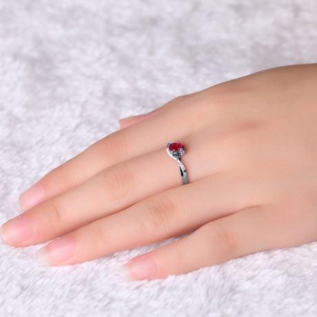 Anello Tra Le Dita - Oro Bianco, Rubino Ovale & Diamanti