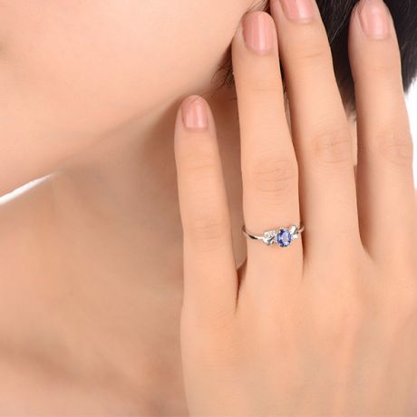 Bague saphir solitaire - Or blanc 18 carats - Sertissage diamants