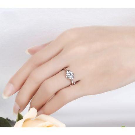 Bague Solitaire Coeur Majestueux - Platine & Diamant | Gemperles