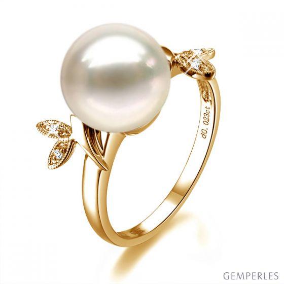 Bague Perle Or Jaune Diamant. Feuilles Étincelantes