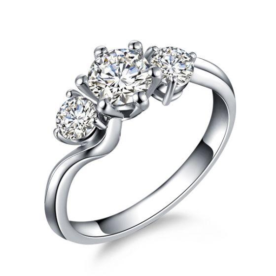 Solitaire trilogie or blanc - Bague de fiançaille 3 diamants   Trilogie