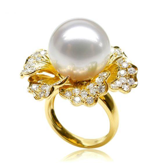 Bague perle d'Australie - Fleur or jaune pétales ajourées - Diamants