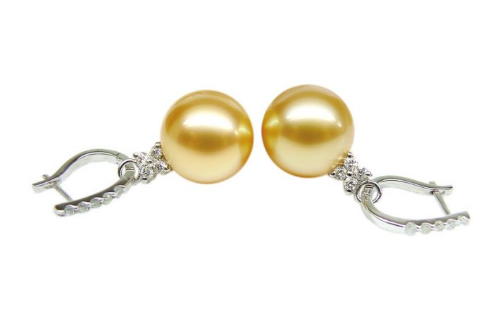 Boucles d'oreilles dormeuses diamantées - Perles d'Australie, or blanc