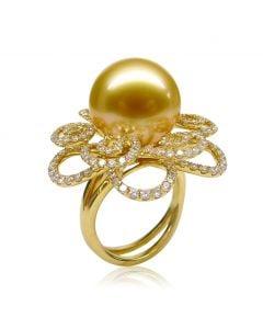 Bague Fleur arabesque perle dorée. Or jaune et diamants