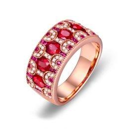 Bague Orientale à Paris. Or rose, Rubis et diamants
