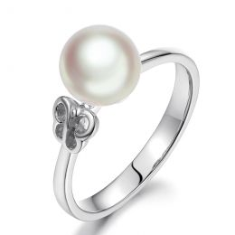 Bague anneau or blanc perle Akoya Japon. Motif Papillon