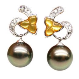 Boucles d'oreilles nacre doree - Perles de Tahiti - Or blanc, diamants
