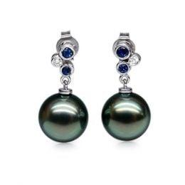 Orecchini Bretislav - Perle Tahiti, Oro Bianco, Zaffiri e Diamanti