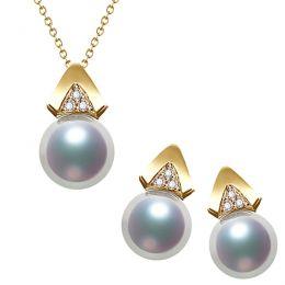 Pendentif et Boucles Tsuguka. Perles Akoya, Or jaune, diamants