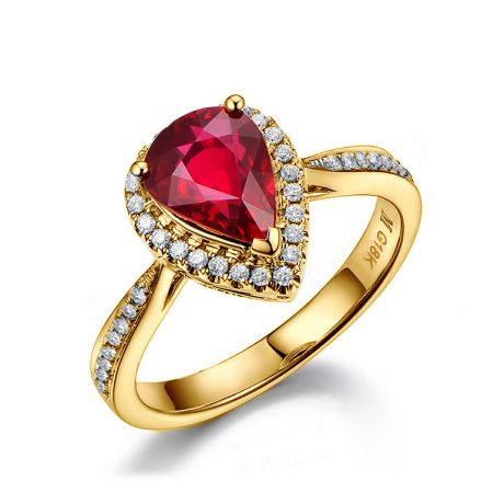 Bague Comtesse Rubis Poire et Diamants. Or jaune