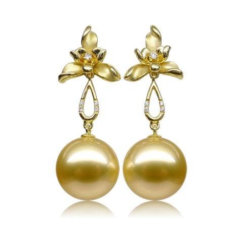Boucles d'oreilles 3 pétales gold. Perles des mers du Sud