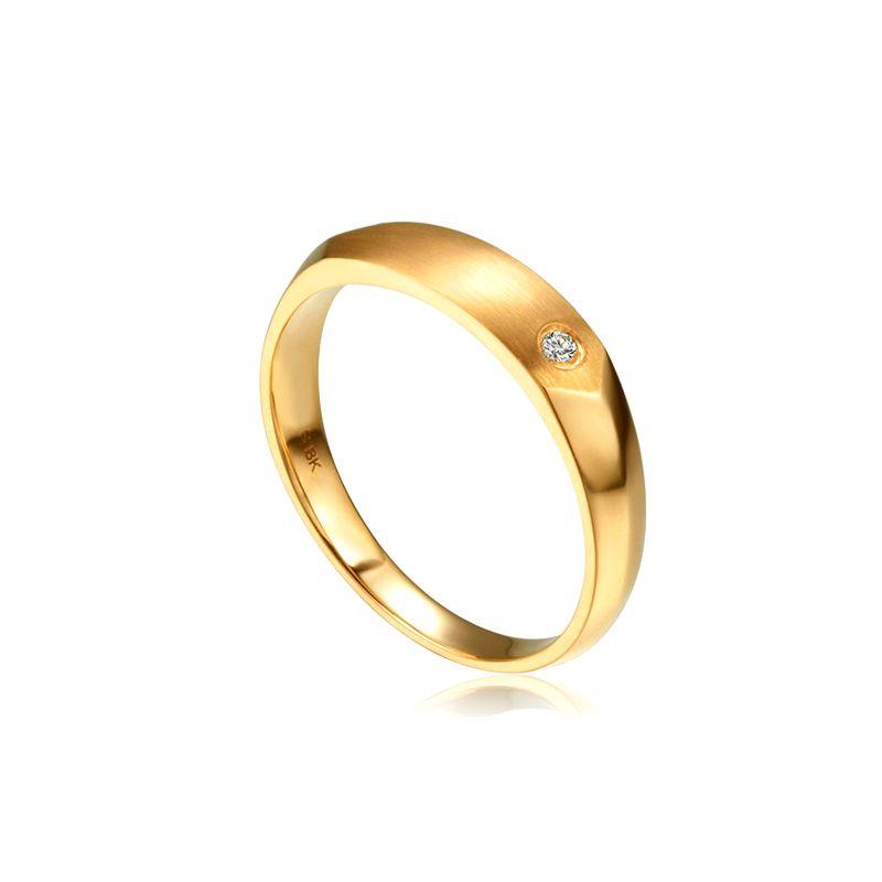 Alliance biseautée homme. Or jaune, diamant serti clos | Karasek